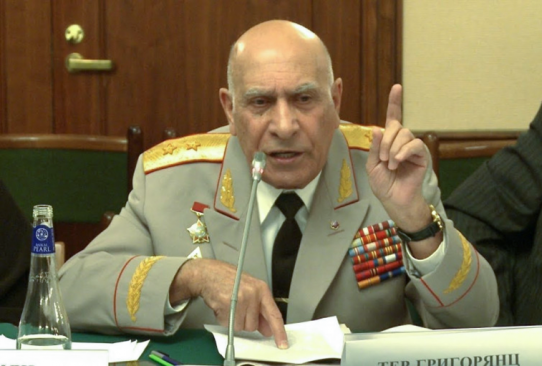 Retired Armenian general backs top military brass' demand for Pashinyan's resignation