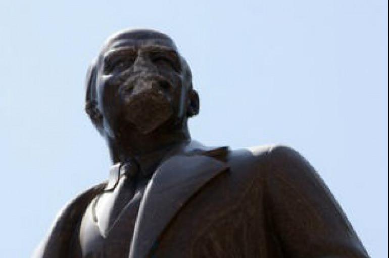 Լենինի մարմինն ԱՄՆ տեղափոխելու՝  ամերիկացի նկարչի առաջարկին Զյուգանովն արձագանքել է