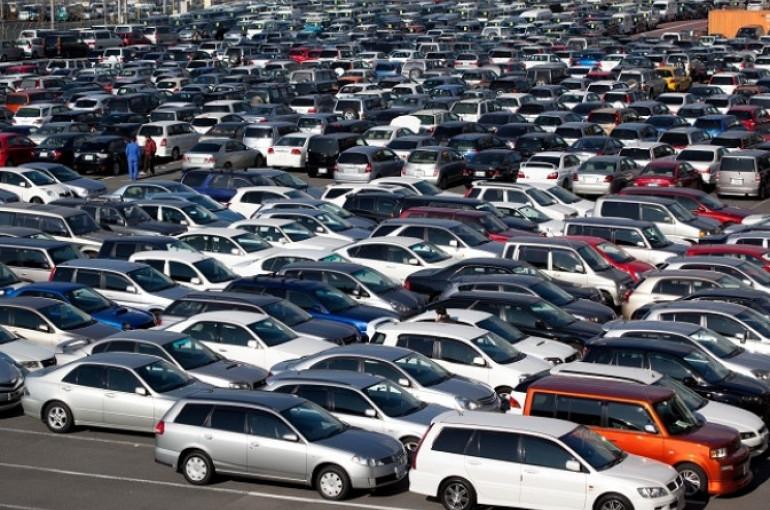 Ներկրողների մեծ մասը «պահեստավորել է» մեքենաները, որպեսզի դրանք  հունվարի 1-ից հետո կրկնակի թանկ գնով վաճառեն. «Ժողովուրդ»