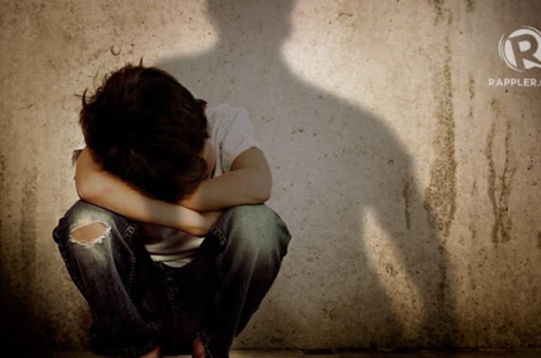 Օգտվելով 10-ամյա տղայի անօգնական վիճակից, սպառնալով ծեծել, սեքսուալ բնույթի բռնի գործողություններ է կատարել