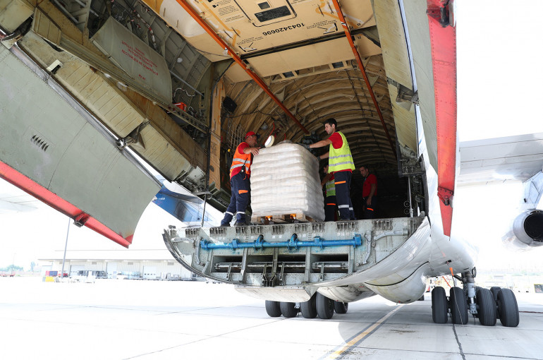Armenia, Russia send batches of food in humanitarian aid to