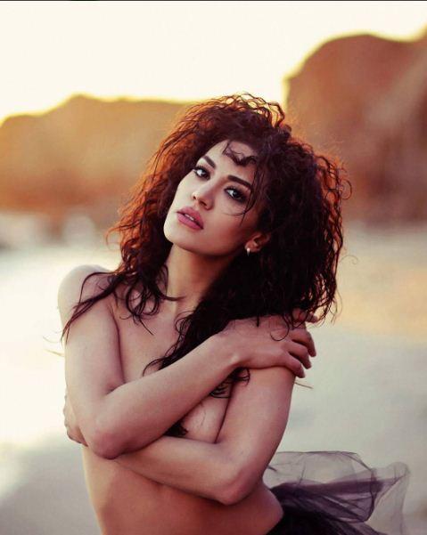 Սեքսուալ և վայրի». Էվա Խաչատրյանը կիսամերկ նոր ֆոտոշարքն իրեն է բնորոշում.  PHOTO, VIDEO - Լուրեր Հայաստանից - Թերթ.am