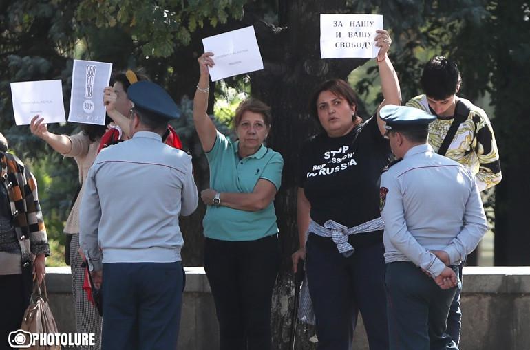 Գրանտակերներին եւ նրանց տերերին չի հաջողվի վատացնել հայ-ռուսական հարաբերությունները. բողոքի ցույց