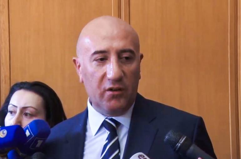 Տեսանյութ.  Այն անձինք, որոնք արժանի են «փռվելու», փռվելու են ասֆալտին. ոստիկանապետի պաշտոնակատարի ճեպազրույցը