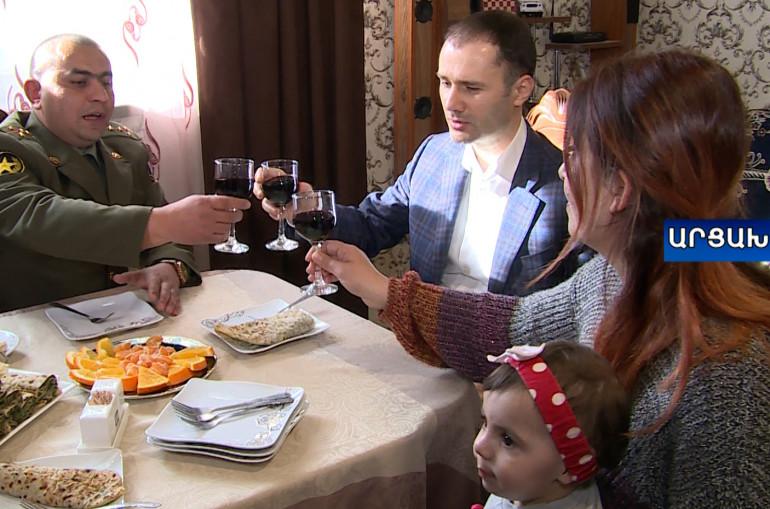 Տեսանյութ.  108 միլիոն դրամ Կարեն Վարդանյանի կողմից` Արցախի բազմազավակ հերոս մայրերին