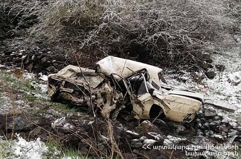 Հրազդան-Հանքավան ճանապարհին «ՎԱԶ-2171» և «ՎԱԶ-2106» մակնիշների ավտոմեքենաները բախվել են, «ՎԱԶ-2106»-ը գլորվել է ձորակը․ կան զոհեր