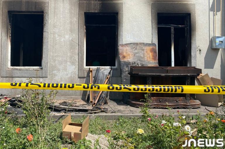 5 ժամ քաղաքն այրվում էր, մի ոստիկան չեկավ. Ախալքալաքում հրդեհված տների սեփականատերերը փոխհատուցում են պահանջում