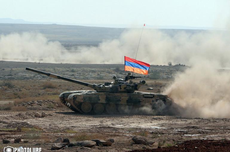 Տանկերն այրվում են, երբ ադրբեջանական զորքերը հարձակվում են հայկական զորքերի վրա․ Forbes