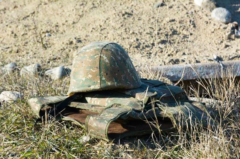 ՊՆ զրահափոխադրիչը 100 մետր գլորվել է ձորը. ժամկետային զինծառայող վարորդը մահացել է