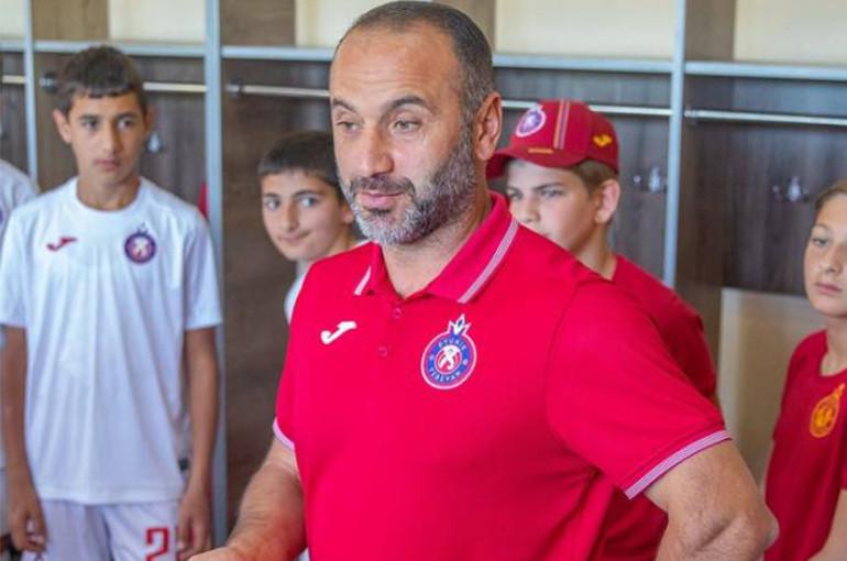 «Փյունիկի» գլխավոր մարզիչ Եղիշե Մելիքյանը ծեծել է ռուս ֆուտբոլիստին
