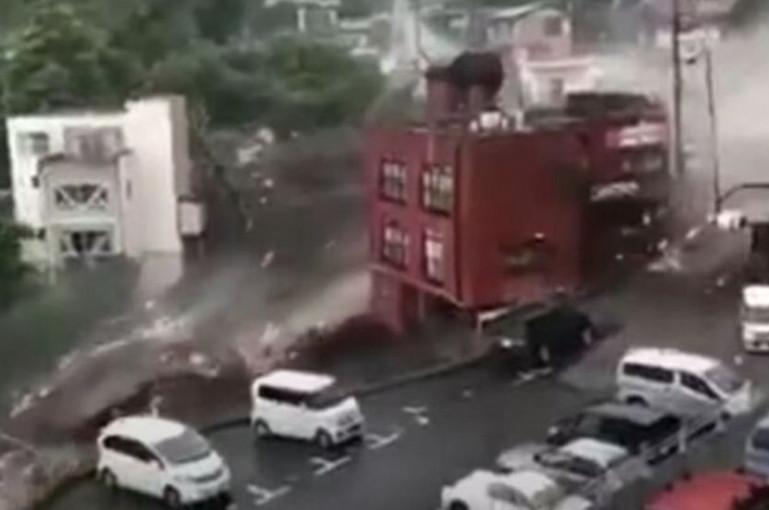 Տեսանյութ.Ճապոնիայում ուժեղ սողանքն իր ճանապարհին սրբել է ամեն ինչ. առնվազն 20 մարդ անհետ կորած է համարվում