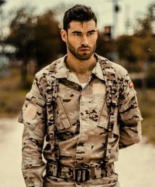 Военные парни трахают парней, порка женщины кнутом