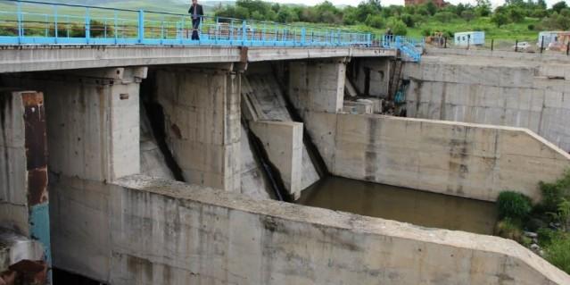 Իջևանում փլուզվել է ՀԷԿ-ի պատվարը. 47-ամյա աշխատակցին գետը քշել, տարել է