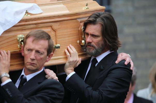 Мать погибшей подруги Джима Керри подала на актера в суд