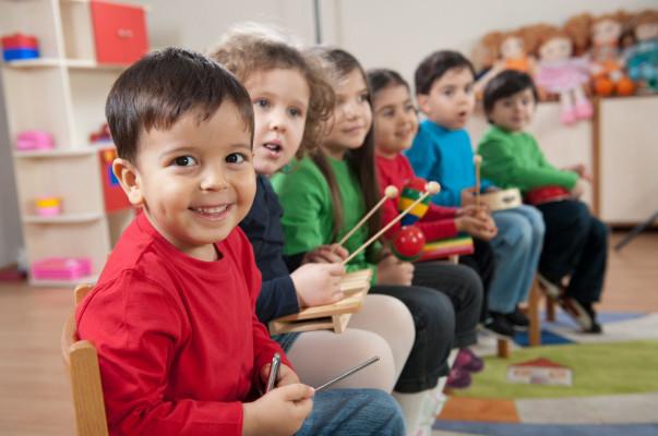 Ստամբուլի հայերի՝ հայկական նախակրթարաններ ստեղծելու պահանջը