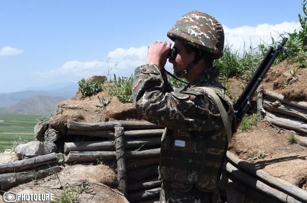 Հակառակորդը հայ դիրքապահների ուղղությամբ կրակել է «ՍՎԴ» տիպի դիպուկահար հրացաններից