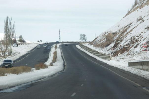 Հանրապետության որոշ ավտոճանապարհներին տեղում է թույլ ձյուն. Տավուշում և Մեղրու լեռնանցքում խիտ մառախուղ է