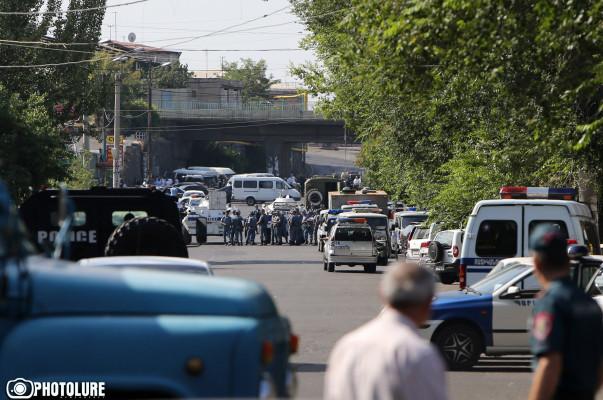 Բացահայտվել են ՊՊԾ գնդի տարածքում 3 ոստիկանների սպանությունները կատարած անձինք. ՀՔԾ