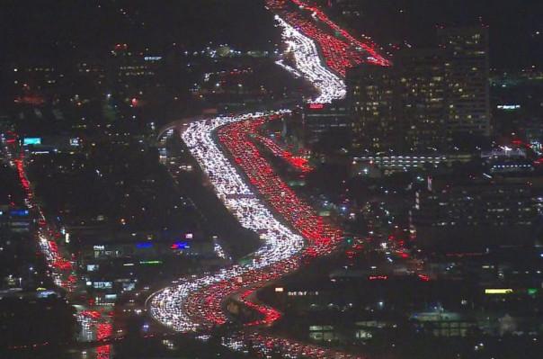 Անօդաչու թռչող սարքը նկարահանել է Լոս Անջելեսում ահռելի խցանումը․ Տեսանյութ