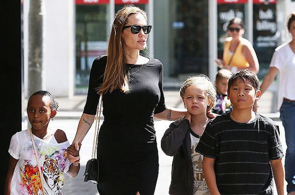 Анджелина Джоли подписала документы онеразглашении личной информации детей