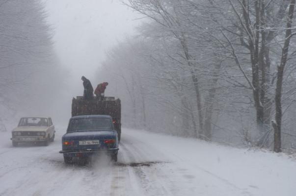На территории Армении есть труднопроходимые автодороги