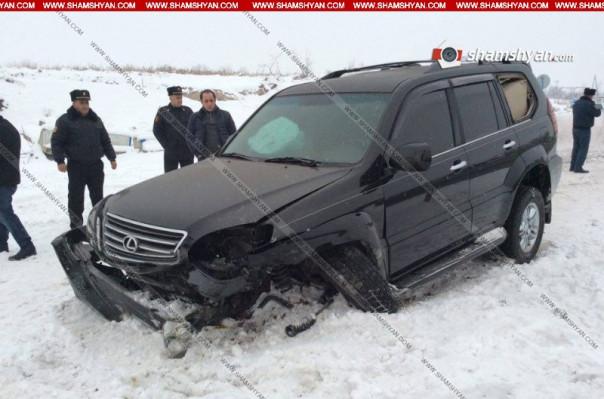 Արարատի մարզում վթարի է ենթարկվել ՊՆ պետհամարանիշներով Lexus, գեներալին տեղափոխել են հիվանդանոց. Shamshyan.com