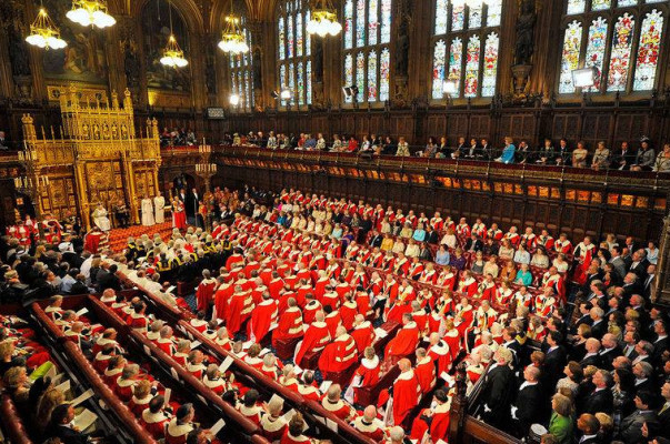 Парламент Великобритании будет распущен 3 мая