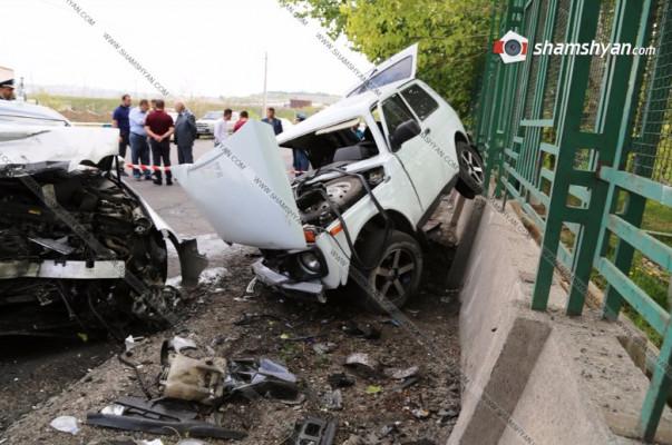 Խոշոր ավտովթար Կոտայքի մարզում. «Օջախ» ռեստորանի մոտ բախվել են Mercedes-ն ու Нива-ն. վերջինս հայտնվել է «Փարավոնի» պարսպին. shamshyan.com (լուսանկարներ)
