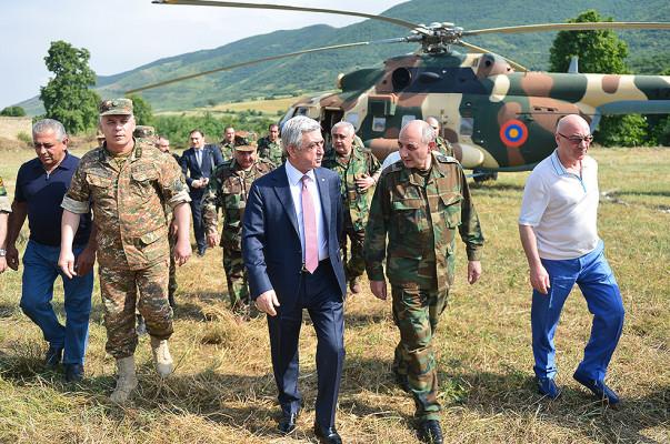 Президент Армении Серж Саргсян с рабочим визитом отправился в Республику Арцах