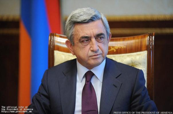 Президент Армении Серж Саргсян поздравил избранного президента Франции Эммануэля Макрона