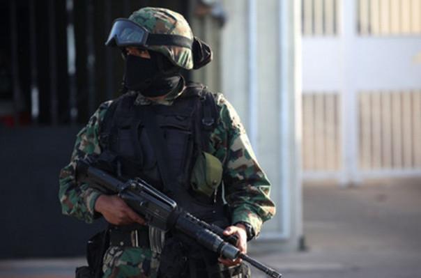Израильские пограничники застрелили напавшую на них с ножом женщину