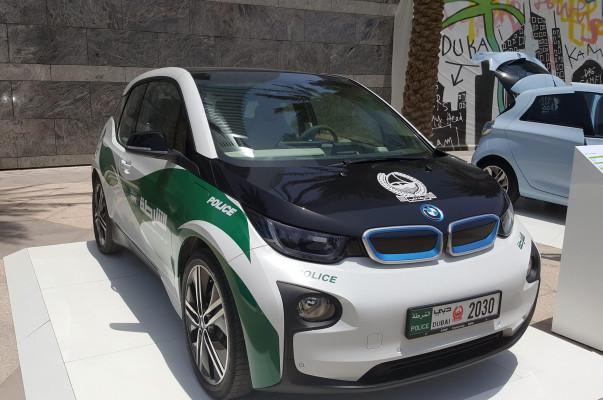 Dubai S Newest Police Cars All Electric Bmws Armenian News Tert Am