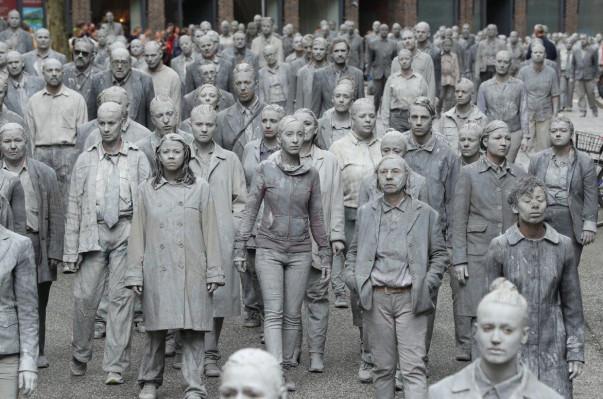 «Զոմբիները» դուրս են եկել Համբուրգի փողոցներ՝ բողոքելով G20 գագաթնաժողովի դեմ (լուսանկարներ, տեսանյութ)
