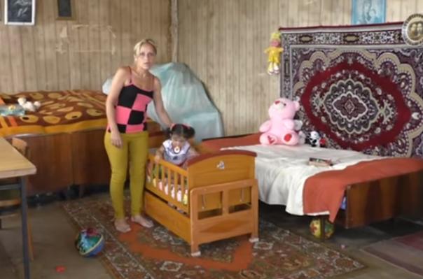 Գյումրիում ամուսինը և սկեսուրը կնոջ առջև պայման են դրել՝ եթե ուզում է իրենց հետ ապրել, պետք է հրաժարվի աղջիկ երեխայից
