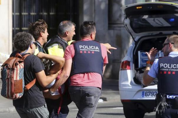 Наезд автомобиля наполицию вБарселоне может быть связан стерактом
