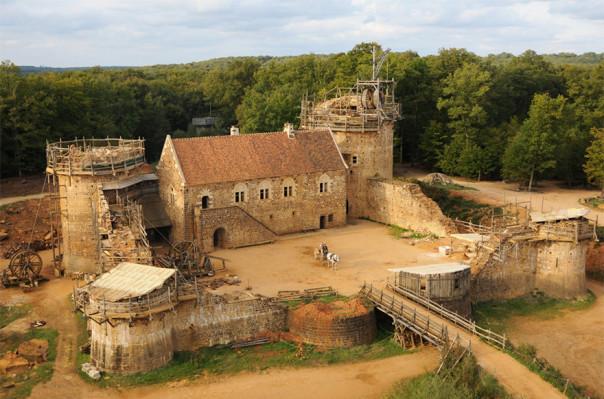 Ֆրանսիայում միջնադարյան ամրոցի կառուցման աշխատանքները՝ ֆոտոշարքով (լուսանկարներ, տեսանյութ)