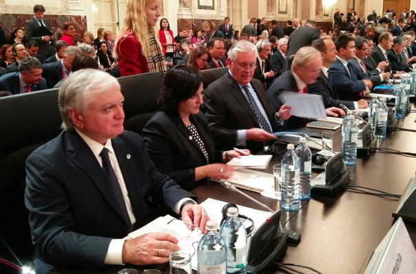 Намерения Азербайджана отчетливо  видны из изготовляемых  имзатрат— Эдвард Налбандян