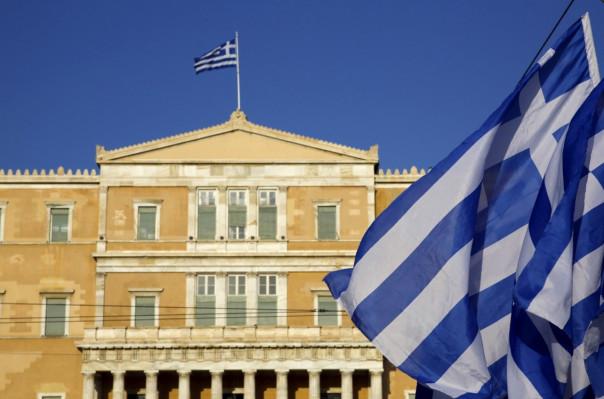 Греция высылает российских дипломатов за вмешательство в дела страны - СМИ
