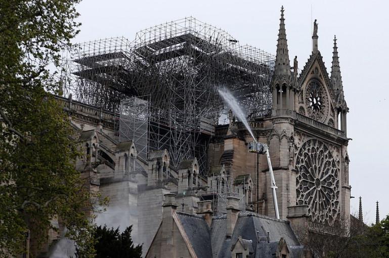 200 տարվա ընթացքում առաջին անգամ Փարիզի Աստվածամոր տաճարում Սուրբծննդյան պատարագ չի մատուցվի